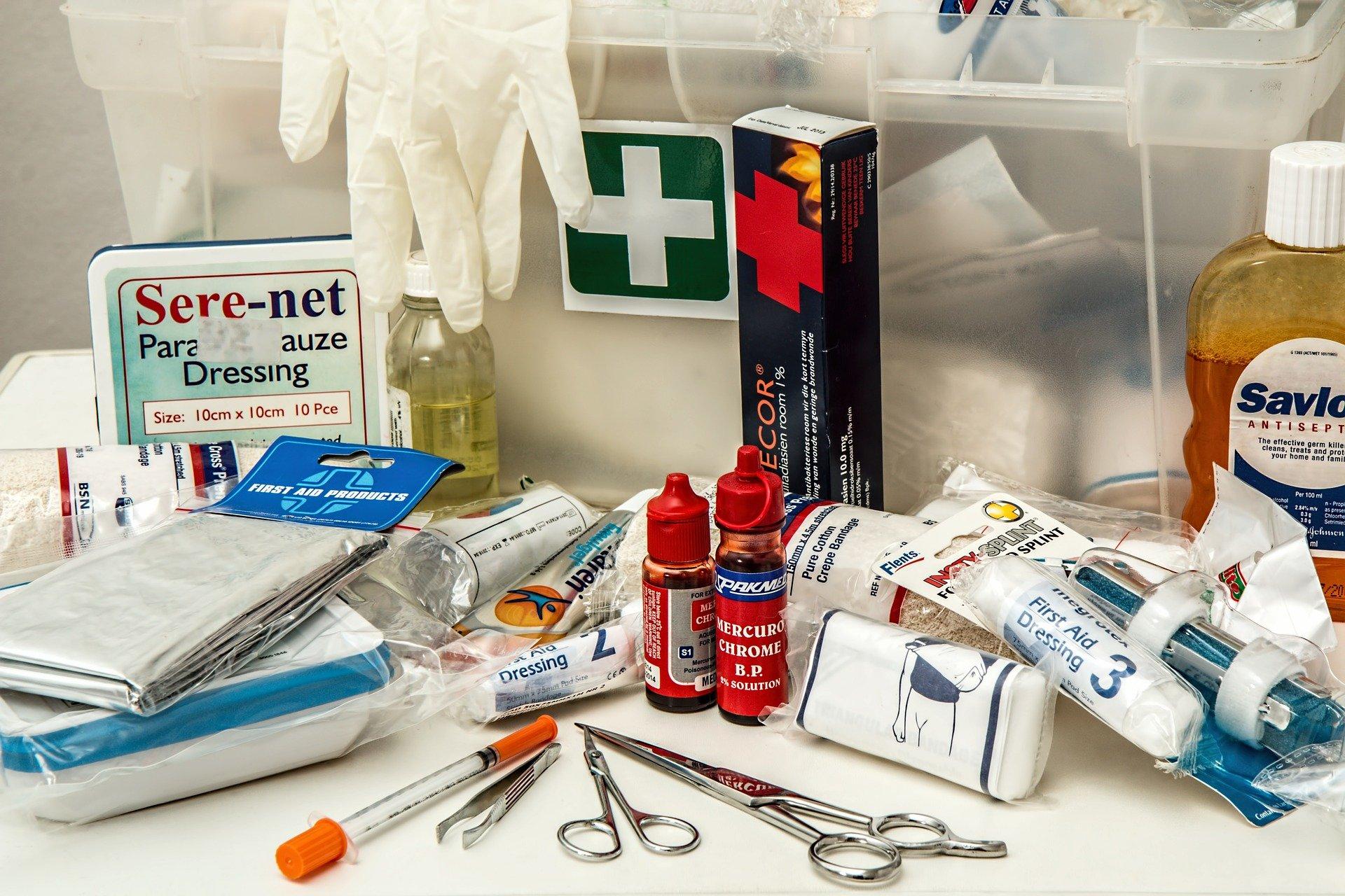 Premiers secours - Trousse de premiers secours
